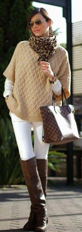 Le scarpe marroni, se correttamente abbinate, sono in grado di completare look e outfit casual chic per nulla banali o scontati. Stringate basse in stile mannish, mocassini dalla pelle delavè ma anche stivali da cavallerizza, polacchini e sneakers, si tingono di marrone e si abbinano a jeans boyfriend, calze lavorate e, nondimeno, ad abitini leggeri e fiorati. Sfoglia la gallery per scoprire tante idee cui ispirarti e come abbinare le scarpe marroni in modo glamour per outfit casual per…