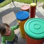 Speeltuin de Speuldries is een erg mooie, groene en nette speeltuin in Deurne en geschikt voor kinderen van alle leeftijden. De speeltuin is veilig omheind en er is een gezellige sfeer, dat geeft een gerust gevoel.Er zijn veel mooie speeltoestellen(glijbanen, zandgraafmachine, trampoline, kabelbaan etc.) en een grote zandbak waar je bij mooi weer ook nog bij de waterpomp kan kliederen met water!  Schone toiletten, terras en bankjes. Gewoon goed geregeld allemaal!Een vriendin van mij ...