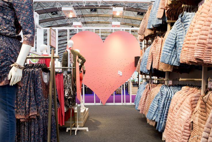 Onze kleding op de #huishoudbeurs. Kijk voor onze leuke beursaanbieding op onze site! #missetam