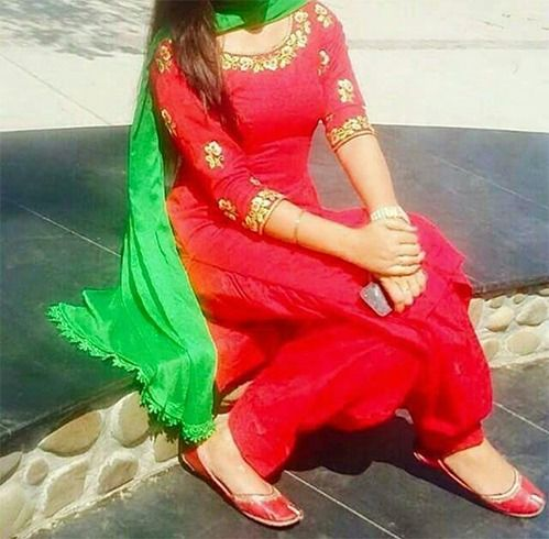 Matching Suit For Punjabi Jutti