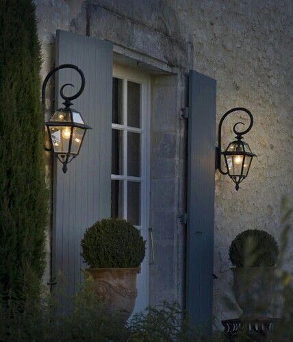 Deze lamp bij de voordeur en tuindeuren ♡ (Intratuin)