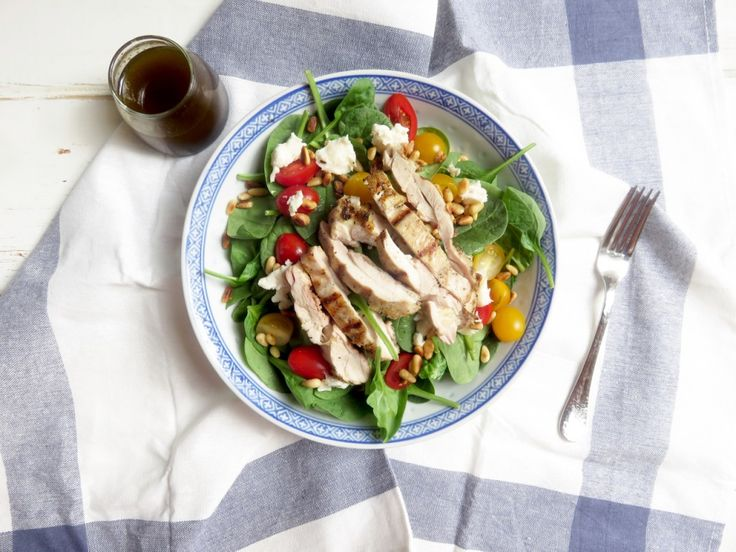 Tuscan chicken salad with roquefort