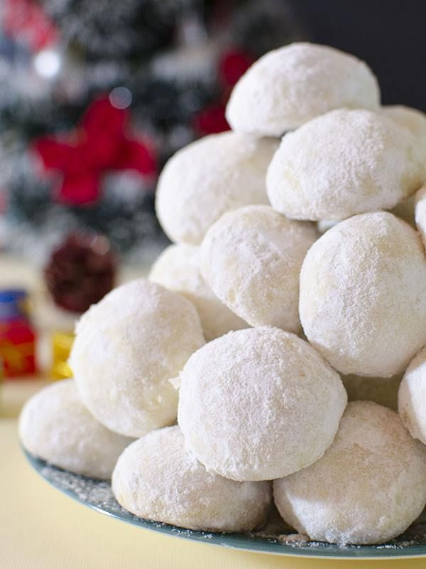Christmas Coconut Snowball Cookies
