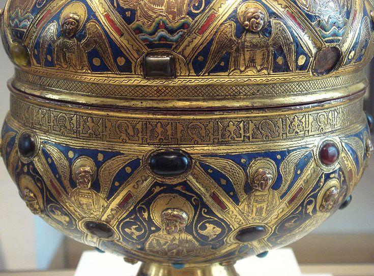 Elaborate Limoges ciborium, c. 1200, engraved (champlevé enamel), repoussé brass