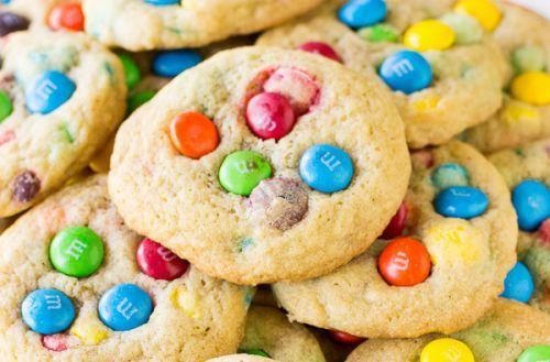 Recette de biscuits aux M&M toute simple et rapide à faire