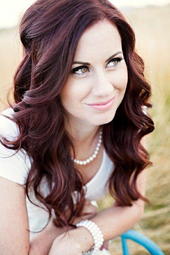 Love this hair color! Aloxxi Hair Color Personality Treasure of Trieste® | red hair | redhead | purple-red hair | hair inspiration | long hair | wedding hair | beach waves