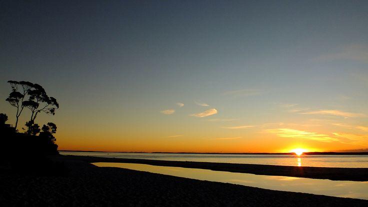 https://flic.kr/p/Hrvr53 | Sunrise over Hyam's Beach | Hyam's Beach