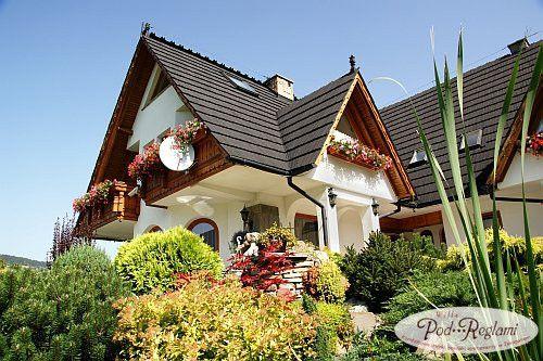 Widok z ogrodu na pensjonat http://www.podreglami.pl