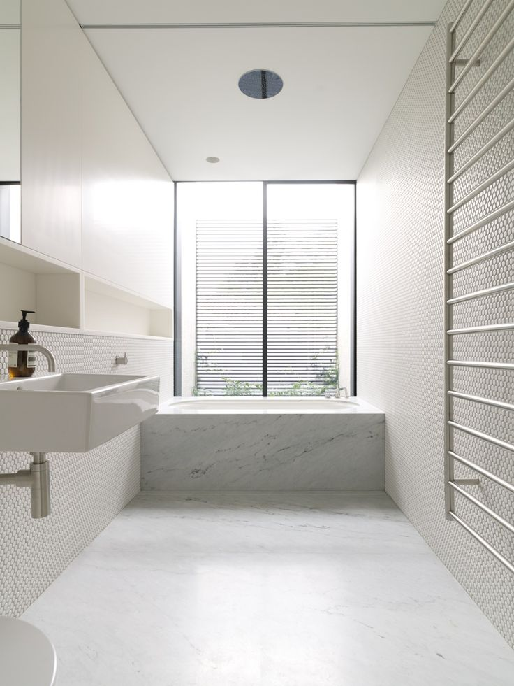 Tobias Partners - Cooper Park House. Second bathroom.