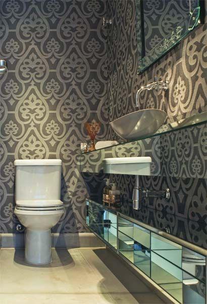 Tecido e Papel de parede como opção de revestimento: Wall, Papell Pare, Houses Interiors, Papell Father, House, Bathroom, Lavabo Caprichado, Powder Rooms, Banheiro Bonito