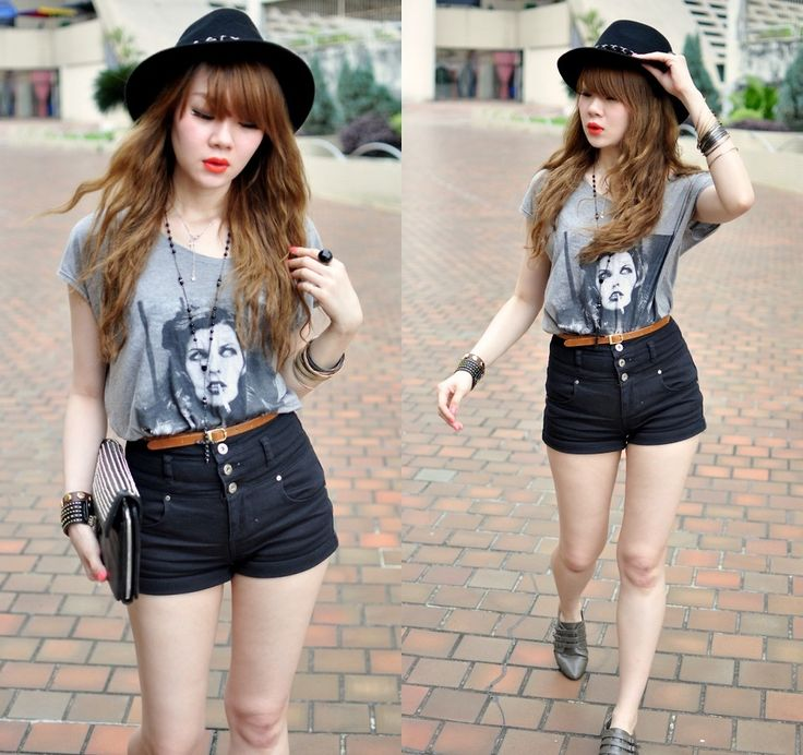 high-waisted-shorts-tee