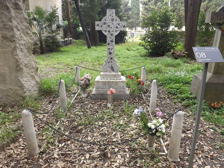 Nell'itinerario del Veilino, vicino al tempio protestante, potrete ammirare la tomba di Mary Costance Lloyd, moglie di Oscar Wilde Foto di Ivana O.