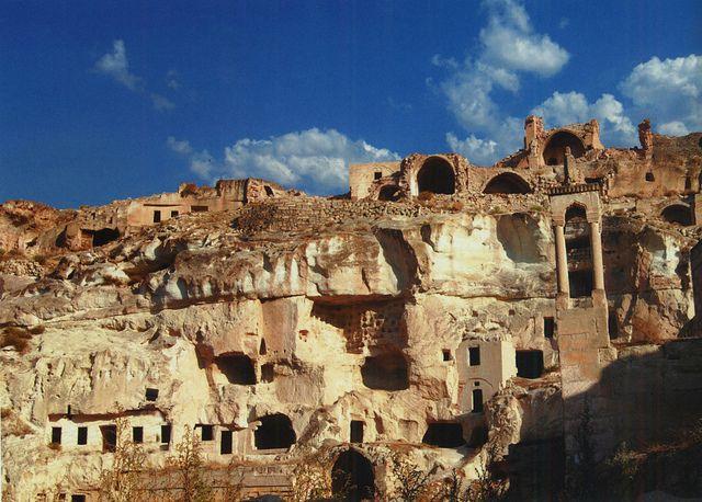 Cavusin - Cappadocia - Turchia http://www.happydir.com/1226-turchia-cappadocia/