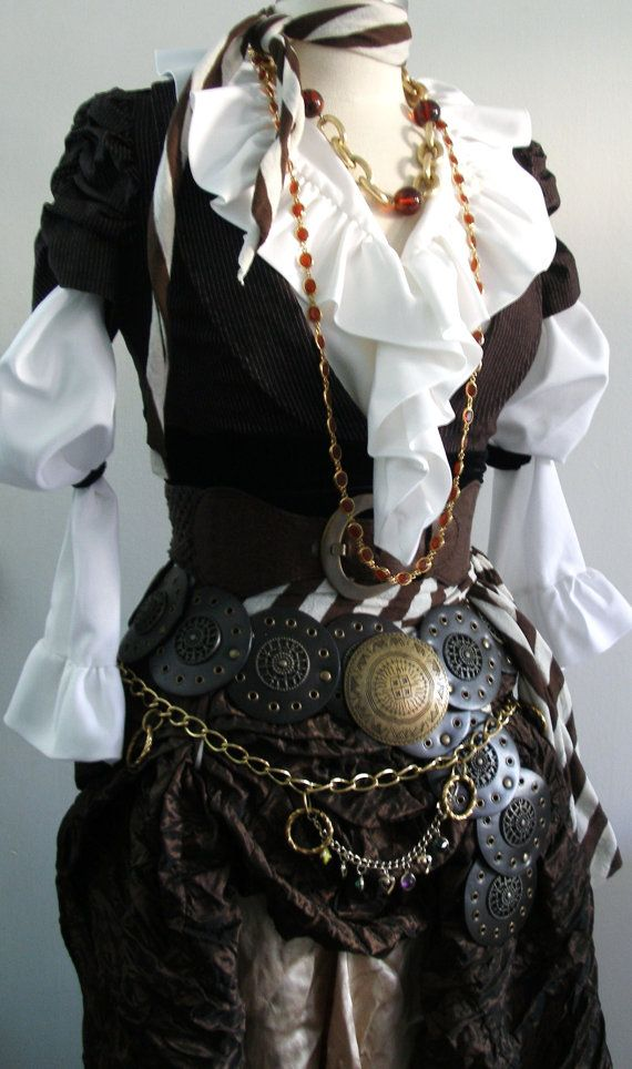 Women's Pirate Costume in Brown Upcycled / di PassionFlowerVintage