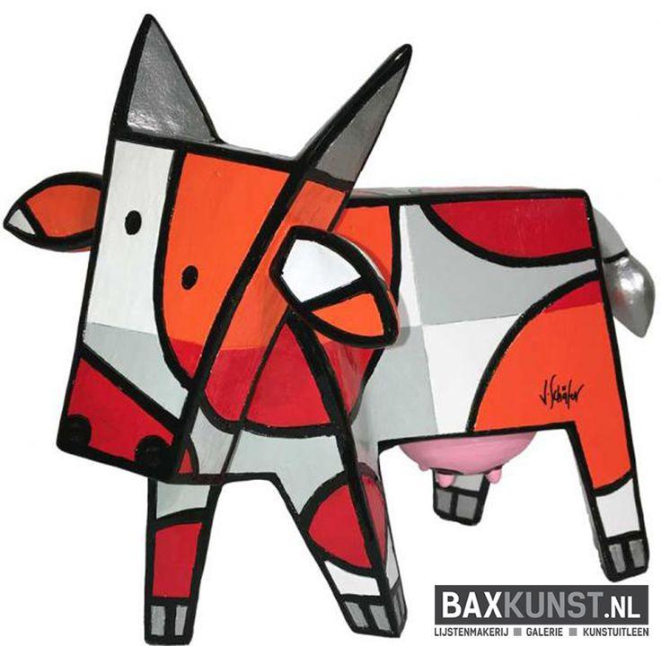 """In de giftshop vind je vele leuke beelden en cadeau's. Deze """"vrolijke koe"""" van Jacqueline Schäfer kost €115 #baxkunst #giftshop #art #Sneek"""