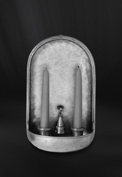 Pewter Wall Sconce with Snuffer - Width: 17 cm (6,7″) - Height: 28 cm (11″) - #pewter #wall #sconce #snuffer #peltro #applique #spegnimoccolo #zinn #wandleuchte #kerzenlöscher #étain #etain #peltre #tinn #олово #оловянный #gifts #giftware #home #housewares #homewares #decor #design #bottega #peltro #GT #italian #handmade #made #italy #artisans #craftsmanship #craftsman #primitive #vintage #antique