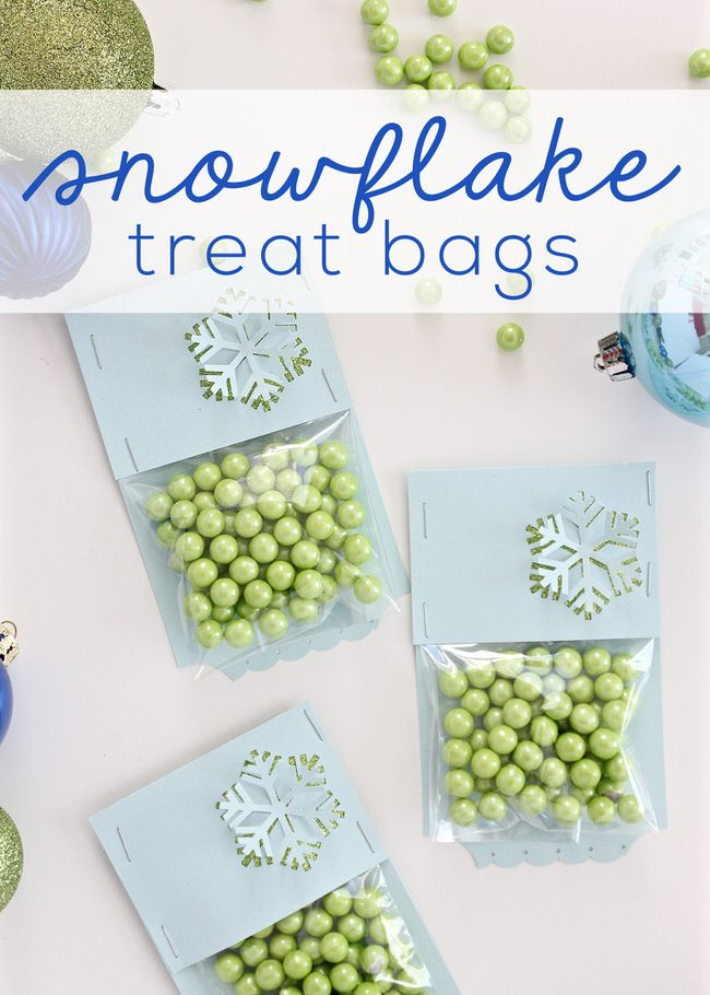 quick and easy gift at the last minute? These DIY Snowflake Treat ...