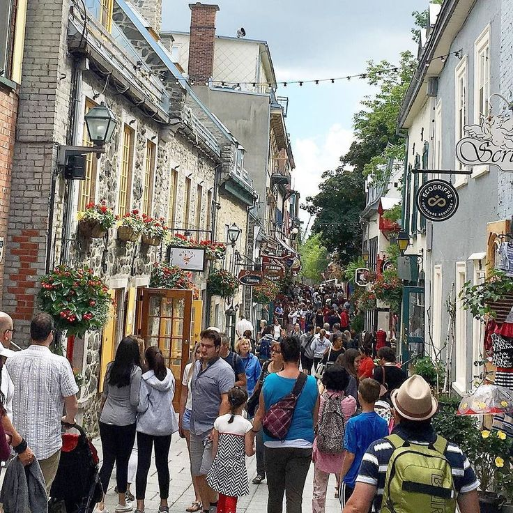 """PlanetBlueAdv (Parm) on Twitter: """"Le Petit Champlain is a popular spot for visitors to see in @quebecregion.  Famous for its… https://t.co/pu7r5diook https://t.co/Wm82D4Ijwc"""""""