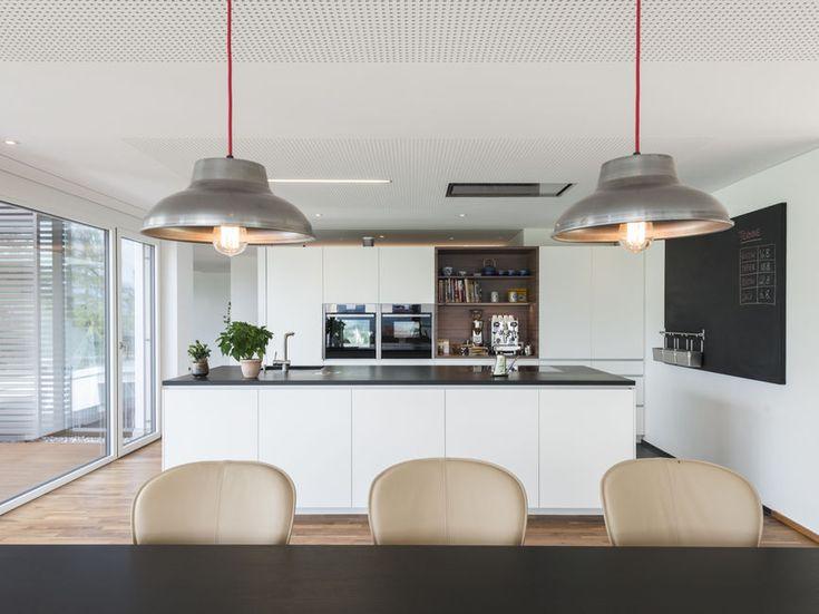 Fensterfronten Und Metall Treppe Haus Design Minimalistisch. die ...