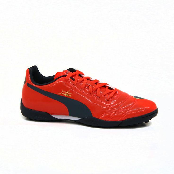 Το ανδρικό evoPOWER 4 TT παπούτσι της PUMA, σε ιδιαίτερο πορτοκαλί χρώμα, είναι ειδικό για αυξημένες επιδόσεις σε σκληρές, φυσικές επιφάνειες  και τεχνητό χλοοτάπητα. Απορρόφηση κραδασμών με την ενδιάμεση σόλα EVA. Εντυπωσιακή δύναμη με τεχνολογία PowerCell για μέγιστη ακρίβεια.
