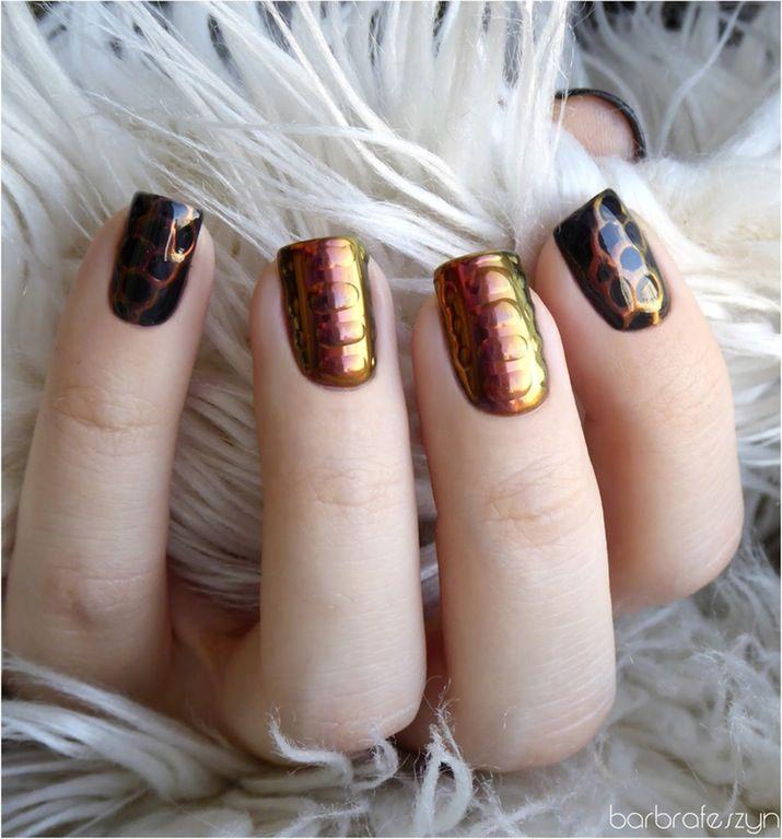 Nail polish: light, pink, nails, shiny - Wheretoget