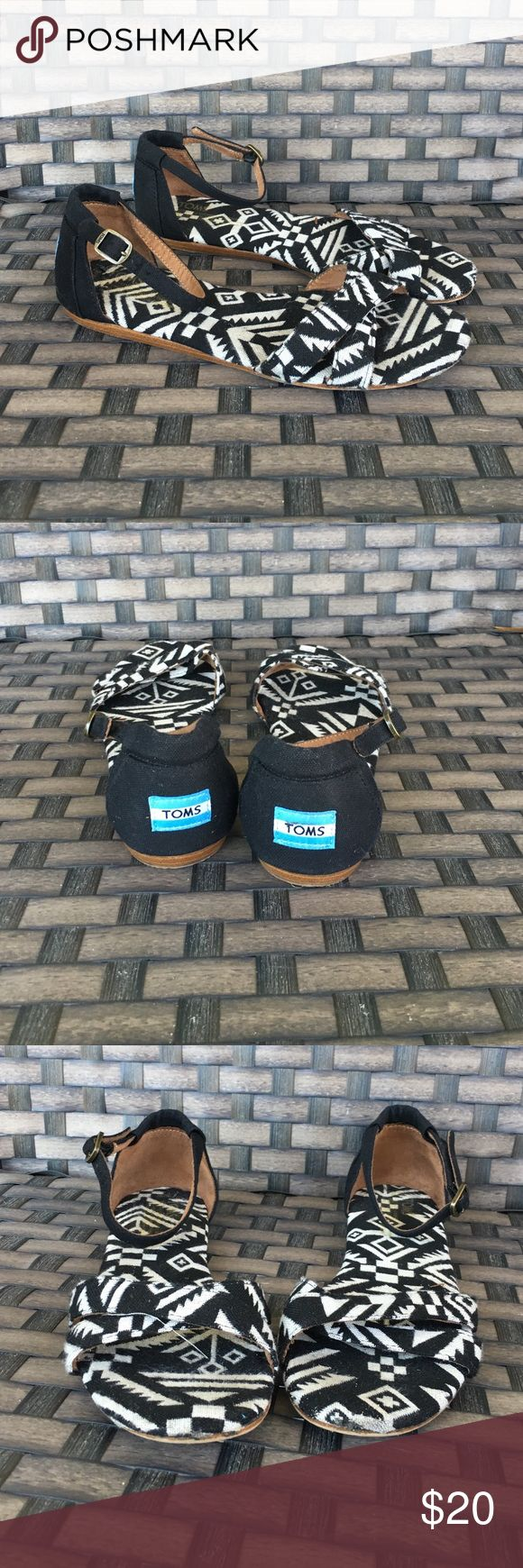 Toms Aztec flats Women's 8 good pre owned condition small scuff on one toe TOMS Shoes Sandals