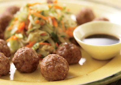 Asian Pork Meatballs over Shredded Vegetables http://www.prevention.com/health/diabetes/appetizer-recipes-that-control-blood-sugar/slide/5