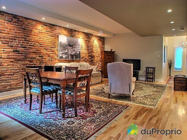 mur de brique pour salle manger spots halog nes pr s du mur cuisine salle manger. Black Bedroom Furniture Sets. Home Design Ideas