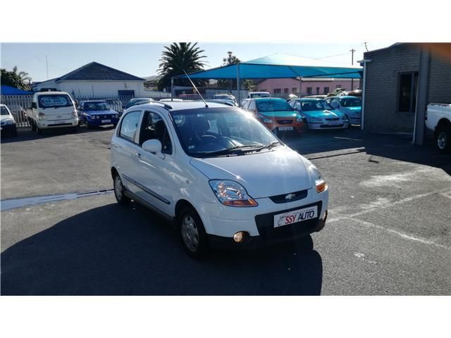 White Chevrolet Spark 1.0 LS with 55000km available now!