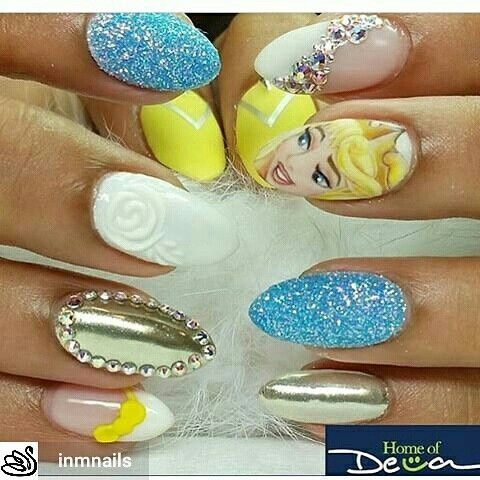 #inmnails of #instagram   By #homeofdeva   #disneynails #disney #snowwhite  #nailartist #nailartistry #nailart #nailbling #blingnails  #naildesigns #cutenailart #cutenails #rhinestones #glitter #glitternails #bluenails #cartoons#cartoonnails