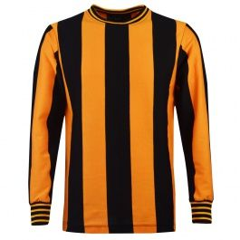 Berwick Rangers 1967 Cup v Glasgow Rangers Berwick Rangers 1967 Cup v Glasow Rangers As worn by the Dream Team in the famous 1-0 victory over Glasgow Rangers in front of A Shielfield Park record attendance of 13,000 in January 1967, a result s http://www.MightGet.com/may-2017-1/berwick-rangers-1967-cup-v-glasgow-rangers.asp