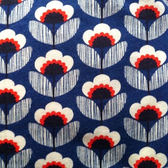 Orla Kiely - this is the wonderful pattern that's on my Oral purse! :)