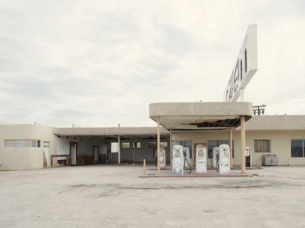 Gas Station Ragsdale Rroad Desert Center California - Iñaki Bergera