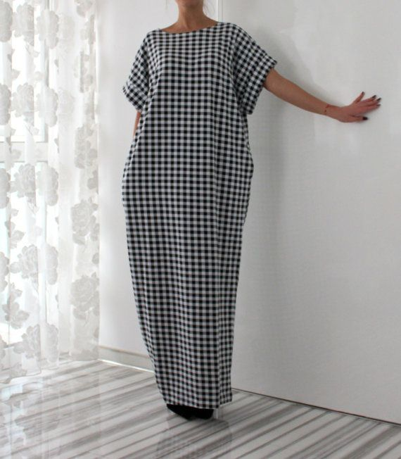 Black and White MAXI Dress Plus size dress  by cherryblossomsdress