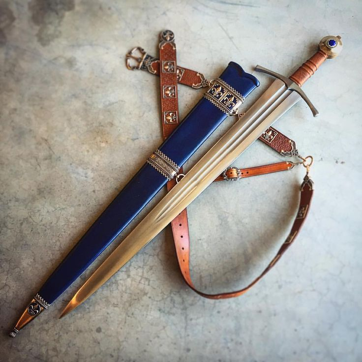 14th century effigy style scabbard and belt with an Albion Sovereign. #medievalsword #medievalscabbard