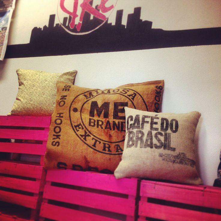 Pillows info@elisacaruso.it #elisacaruso #atelierpiazzasantagostino #pillows #sangimignano