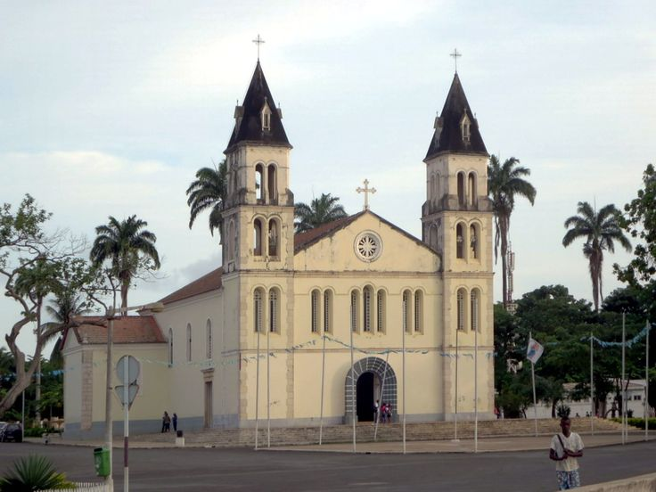 The 16th century Catedral de Nossa Senhora da Graça in Sao Tome, São Tomé and Príncipe, was rebuilt in 1814. The current facade dates from a 1956 restoration.