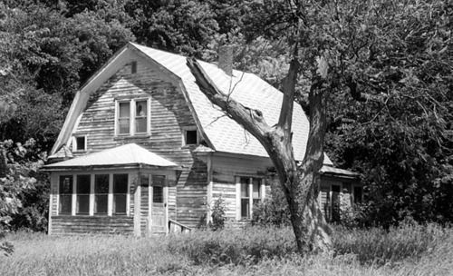 Minnesota Farm House: Farms House, Farms Stuff, Abandoned Building, Rural Life, Country Living, Country Life, Abandoned Beautiful, Minnesota Farms, Abandoned Places