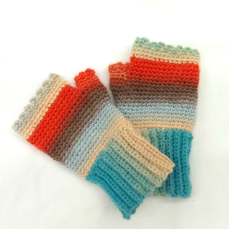 Ravelry: Ladies Fingerless Mitts by Kim Miller