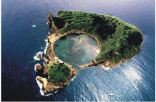 Where is the Cool?: Swim Pools, Azor Islands, Boats, Azor Archipelago, Villas, Circle, Wanderlust, Azor Portugal, Vila Franca