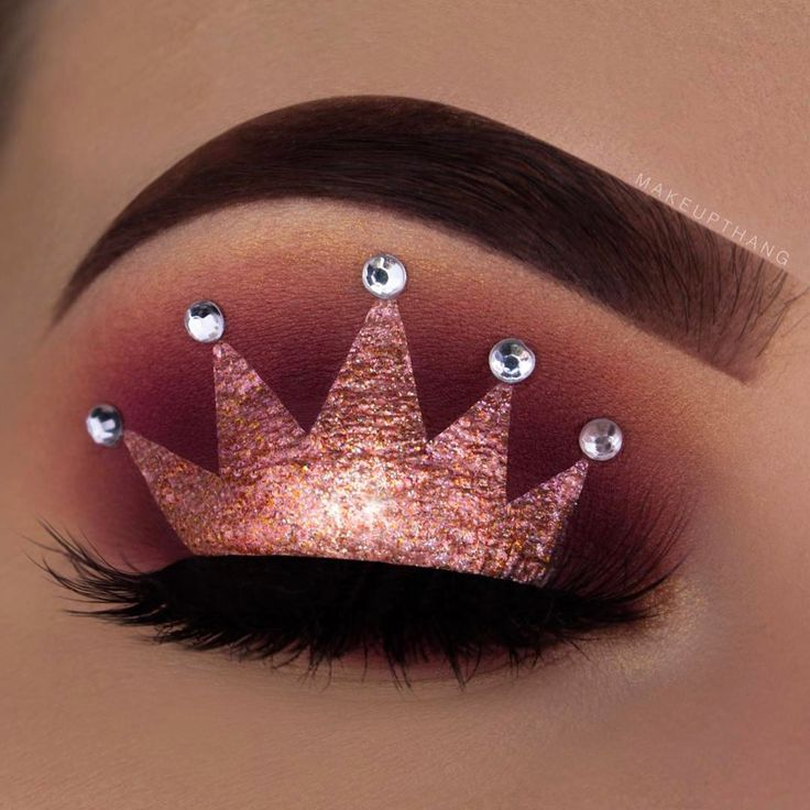 "7,799 Likes, 111 Comments - M A K E U P T H A N G (@makeupthang) on Instagram: ""Bring out the queen in you --- @anastasiabeverlyhills Dipbrow Pomade ""Chocolate"" @hudabeauty…"""