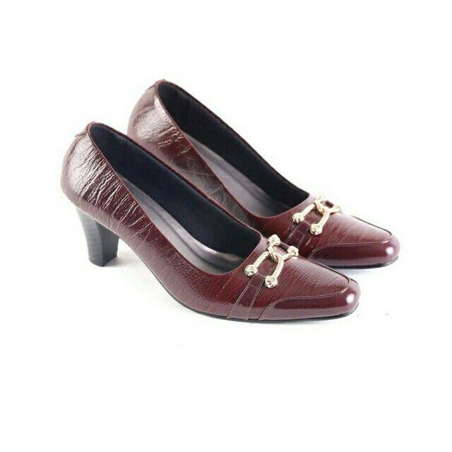 Temukan Garsel Sepatu Formal Wanita - L 612 seharga Rp 231.000. Dapatkan sekarang juga di Shopee! http://shopee.co.id/jimbluk/104162069