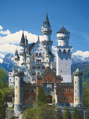 neuschwanstein castle, bavaria- Let's lay siege to this castle, sack it and take it as our seat!