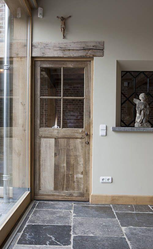 Midden in het centrum van het Brabantse Udenhout vindt u ons hoofdkantoor, ateliers, showrooms, tuinen en expedities op maar liefst 25.000m².