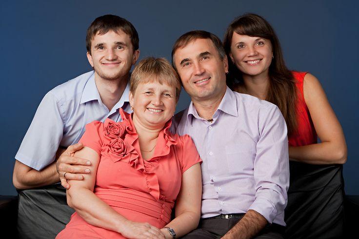 семейная фотосессия в студии без детей - Поиск в Google