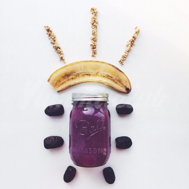Чернично-банановый смузи с пророщенной гречкой ~ Домашние рецепты