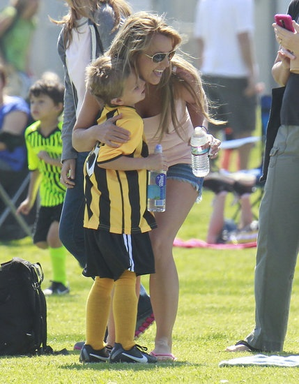 Britney Spears Gets in Soccer Mom Mode With Ex Kevin Federline: Britney Spears hugged her son.