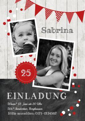 25 Jahre? Trendy Geburtstagseinladung als Fotokarte in Holz-Look mit Schultafel und Girlande in Rot.