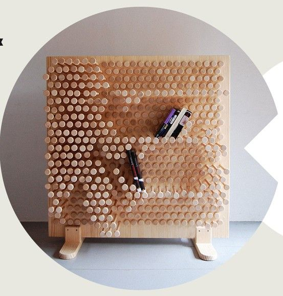 haurien de ser perforacions / sembla un niu d'abelles