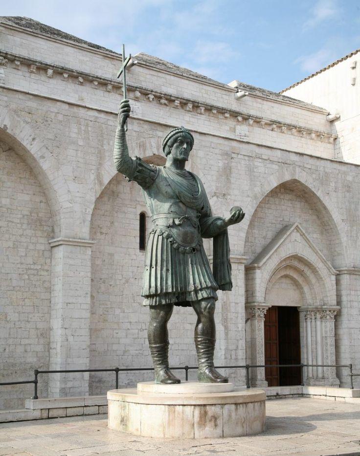 Roman statue in Barletta
